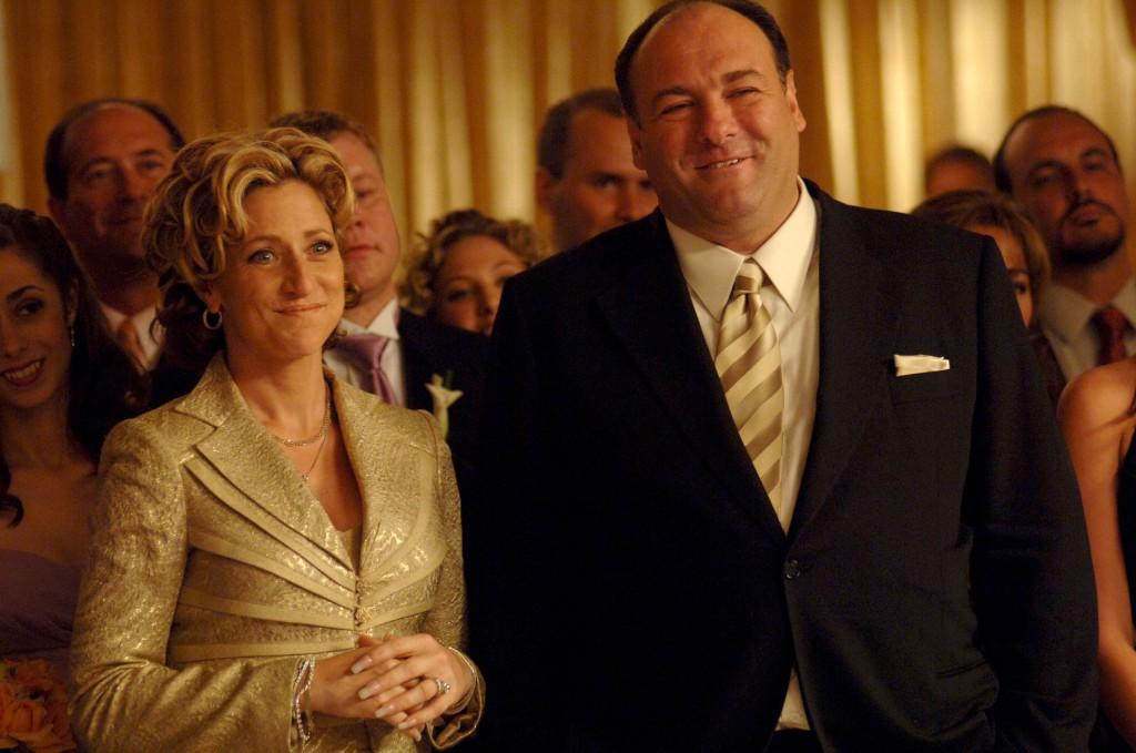 Gandolfini com Edie Falco, sua mulher na série