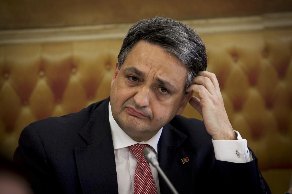 Paulo Macedo promete regulamentação adicional para medicamentos inovadores